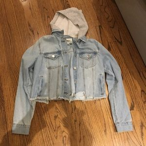 NWOT cropped jean jacket with hood